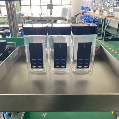 Semi-automatic square bottle labeling operation process,